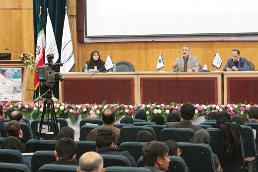 سخنرانان پنل تخصصی اول ( دکتر امیر ناصر اخوان-دکتر سید حسن مقدم نیا-دکتر مریم طایفه محمودی)